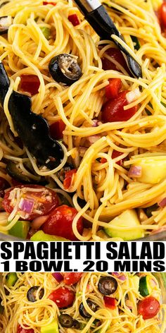 Quick, easy spaghetti salad recipe, homemade with simple ingredients in one pot in 20 minutes. Served cold with fresh vegetables, noodles, Italian dressing. Salad Recipes For Parties, Salads For A Crowd, Entree Recipes, Dinner Recipes, Paleo Dinner, Meal Recipes, Italian Spaghetti Salad Recipe, Easy Pasta Salad Recipe, Pasta Spaghetti