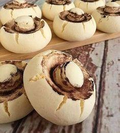 Pratik Mantar Kurabiye – Tatlı tarifleri – The Most Practical and Easy Recipes Cookie Desserts, Cookie Recipes, Dessert Recipes, Delicious Desserts, Yummy Food, Gateaux Cake, Sweet Pastries, Food Platters, Arabic Food