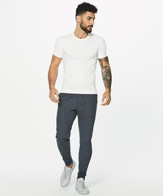 These sleek joggers feature our ABC (anti-ball crushing) engineering and four-way stretch Warpstreme™ fabric, making them an obvious choice for recreation or travel. Business Casual Outfits For Women, Winter Outfits Men, Men Casual, Coachella Outfit Men, Mens Joggers Sweatpants, Lululemon Men, Stylish Men, Mens Fashion, Mens Tops