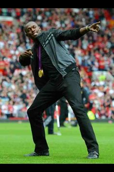 Manchester United to sign Jamaica Usain Bolt - Transfer News & Rumours - Forum For The Gurus - Page 1 Transfer Rumours, Sports Personality, Team Events, Transfer News, Usain Bolt, Fastest Man, Big Black, Red Shirt, Track And Field