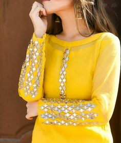 Fancy Dress Design, Stylish Dress Designs, Stylish Dresses For Girls, Designs For Dresses, Pakistani Fashion Casual, Pakistani Dresses Casual, Pakistani Dress Design, Casual Dresses, Fashion Dresses