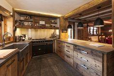 Кухня в стиле шале - Home and Garden Rustic Kitchen, New Kitchen, Kitchen Island, Kitchen Ideas, Chalet Design, Sweet Home, Contemporary, Interior, House