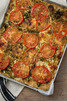 Torta di pane salata: come riutilizzare il pane avanzato? Per preparare la cena. Ecco la ricetta! [Bread quiche]