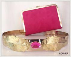 Para las amantes del rosa, hoy os mostramos complementos tan ideales como estos en rosa fucsia y dorado.  Dinos en qué color buscas tus complementos y nos adaptamos a tu look.   Disponible en nuestro Showroom