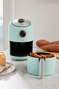 Urban Outfitters Compact Air Fryer - Ugh I have a huge soft-spot for kitchen gadgets! Blue Teen Girl Bedroom, Teen Girl Bedrooms, Girl Room, Air Fryer Review, Web Design, Diy Kit, Shops, Dinnerware Sets, Safe Food