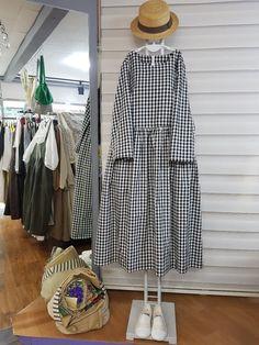cute and comfy outfits Frock Fashion, 60 Fashion, Couture Fashion, Fashion Dresses, Boho Style Dresses, Unique Dresses, Linen Dress Pattern, Pakistani Fashion Casual, Everyday Dresses