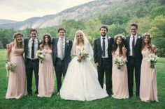 Nestled in the Blue Ridge Mountains of Cashiers, NC, exchange your vows against the backdrop of the largest box canyon east of the Mississippi. Afterwards, in the rustic yet elegant Jennings Barn, James Beard nominated Chef John Fleer will provide an exceptional meal for you and your guests.