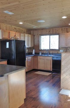 Expanded kitchen with breakfast bar. 2627 Grendel Dr. http://www.innsbrook-properties.com/property/mo/innsbrook/63390/innsbrook/2627-grendel-drive/547d5b2b03781574ea0000f2/