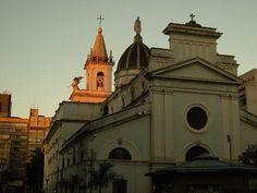Campinas. Catedral vista por trás, da 13 de Maio.