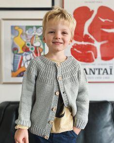 Ravelry: Anker's Jacket pattern by PetiteKnit Baby Cardigan Knitting Pattern, Knitting Patterns Free, Baby Knitting, Crocheting Patterns, Sweater Patterns, Baby Barn, Baby Pullover, Dk Weight Yarn, Kids Fashion