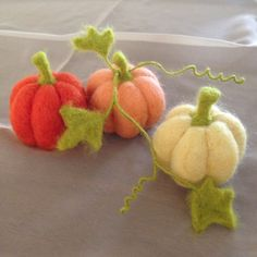 Thanksgiving Three needle felted pumpkins and vine pumpkin - Thanksgiving Home Decor, fall centerpiece