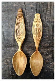 Simon Hill Green Wood Carving: Decorated Cherry eating spoons.