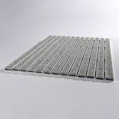 Absorbierende Eingangsmatte auf Aluminiumträgerprofil mit Rahmen http://www.fussmattensysteme.de/zum-einlassen/eingangsmatte-10r-13-mm-rahmen-60cm-x-40cm.html