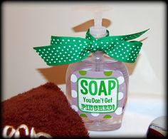 Oh my gosh this is CUUUUUTE!  The perfect way to wish all my mommie friends and co-workers a Happy St. Patty's Day!  This creative post was found at http://detailorienteddiva.blogspot.com/2012/03/soap-you-dont-get-pinched-part-1.html
