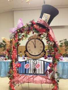 Ideas Garden Party Theme Decorations Alice In Wonderland For 2019 Alice In Wonderland Tea Party Birthday, Alice Tea Party, Alice In Wonderland Birthday, Wonderland Party, Winter Wonderland, Mad Hatter Party, Mad Hatter Tea, Mad Hatters, Alice In Wonderland Decorations