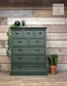 Green Chest Of Drawers, Chest Of Drawers Decor, Chest Of Drawers Makeover, Tallboy Chest Of Drawers, Chest Of Drawers Upcycle, Green Dresser, Green Painted Furniture, Pine Bedroom Furniture, Refurbished Furniture