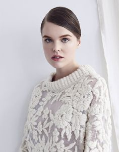 beautiful pieces are part of Hannah Jenkinson's knitwear collection and it's simply stunning. Hannah is from a little village in the North of England called Grindleford situated in the Hope Vally, nestled in the hills of the Peak District, and currently resides in New York. Hannah's take on traditional knitwear is genius and I cannot help but want every single one of her sweaters. http://www.hannahjenkinson.com/