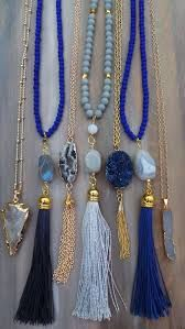 Tassel long necklace Wide selection of original and trendy 2018 tassel necklace for women. Fancy jewelery for all tastes and budgets. Craque for new collections at shopper at Chic Bijoux, Chloé jewelry and costume jewelery. Tassel Jewelry, Beaded Jewelry, Jewelry Box, Jewelery, Jewelry Accessories, Jewelry Necklaces, Handmade Jewelry, Jewelry Design, Gold Bracelets