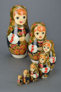 Matryoshka with Petrikov painting by Ethnicpresents on Etsy Matryoshka Doll, Kokeshi Dolls, Celebrity Wedding Photos, Doll Home, Country Crafts, Wooden Dolls, Russian Art, Hello Dolly, Handmade Wooden