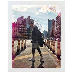 #OneBookShoppingOnline La firma deportiva @adidasoriginals presentó un nuevo concepto de prendas de vestir para la colección NMD 2017 inspirada en su innovador modelo de las zapatillas NMD. La colección transforma la forma clásica del street-wear en prendas útiles gracias a telas modernas y una mirada más progresiva en el diseño y enfoque de la ropa. Cuenta con una gama de moda para hombres mujeres y niños. Revisa la colección en detalle en www.adidas.cl #onebooknews #onebook #news…