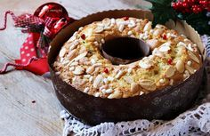 Ciambella di Natale soffice My Recipes, Sweet Recipes, Baking Recipes, Holiday Recipes, Favorite Recipes, Xmas Food, Christmas Cooking, Christmas Desserts, Biscuit Dessert Recipe