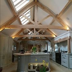 Seasoned Oak Trusses in Farmhouse Kitchen Barn Kitchen, Kitchen Living, Kitchen Decor, Oak Frame House, Up House, Loft House, House Goals, Beautiful Kitchens, Kitchen Remodel
