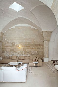 At Ludovica and Roberto Palomba's vacation home near Lecce, Puglia, is exactly how one would imagine the ideal, whitewashed Italian country house, romantically existing between the Ionian Sea and the Adriatic Sea's coasts. Interior Exterior, Home Interior Design, Interior Architecture, Interior Decorating, Italian Interior Design, Architecture Panel, Drawing Architecture, Residential Interior Design, Architecture Portfolio