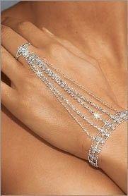 Jewelry rings ^^^^^droooool^^^^^^^LoLoBu - Women look, Fashion and Style Ideas and Inspiration. ^^^^^droooool^^^^^^^LoLoBu - Women look, Fashion and Style Ideas and Inspiration, Dress and Skirt Look Prom Jewelry, Hand Jewelry, Body Jewellery, I Love Jewelry, Wedding Jewelry, Women Jewelry, Unique Jewelry, Jewelry Shop, Yoga Jewelry