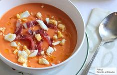 With this recipe, the delivery of the three most famous Andalusian cold kinds of soup is completed Kinds Of Soup, Gazpacho, Spanish Food, Bon Appetit, Cheeseburger Chowder, Tapas, Seafood, Food And Drink, Favorite Recipes
