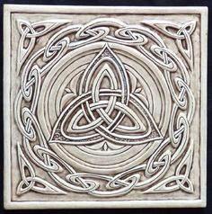 "Central triskelion surrounded by a ""Celtic wave"" border. Celtic ceramic tile - print and create coasters! Celtic Symbols, Celtic Art, Celtic Dragon, Celtic Decor, Celtic Pride, Mayan Symbols, Egyptian Symbols, Ancient Symbols, Celtic Patterns"