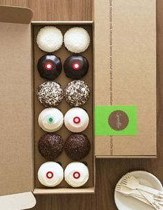Giveaway – One Dozen Cupcakes by Sprinkles Cupcakes