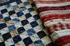 I want to make an American flag quilt. I love the stars field on this one. Patchwork Table Runner, Quilted Table Runners, Hand Quilting, Machine Quilting, Quilting Tutorials, Quilting Ideas, Quilting Projects, American Flag Quilt, Liberty Quilt