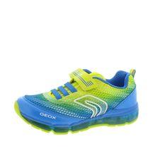Geox Kinderhalbschuh Android ist ein grandioser Partner mit einer Oberfläche in blau, gelb und neongrün. Der atmungsaktive Markenschuh macht meine Kinder mit einem integrierten LED-Licht glücklich. Mit einem weich gepolsterten Schaftrand und einer komfortablen Zunge sind unsere Kinder perfekt ausgerüstet, um aktiv durch den Tag zu toben, zu spielen und zu rennen. Geox, der Schuh der atmet. Jetzt entdecken bei kinder-schuhe.de.