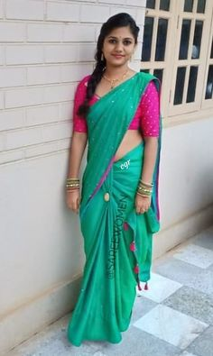 Beauty in saree. Beautiful Girl In India, Beautiful Saree, Beautiful Indian Actress, Indian Beauty Saree, Indian Sarees, Kerala Saree, Choli Dress, Saree Photoshoot, Saree Look