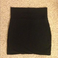 Basic black body con skirt The perfect basic black body con skirt! Good condition only worn a few times Skirts