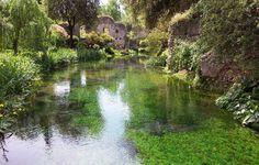 Risultati immagini per giardini di ninfa