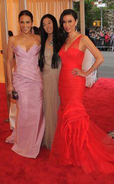 Gala MET 2012: Paula Patton, Vera Wang y Wendi Deng.