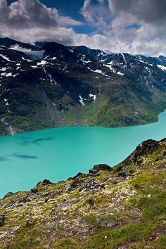 Bessegen Ridge Trail Lake Gjende Jotunheimen National Park Norway 9054 Jotunheimen National Park, Wonderful Places, Beautiful Places, Scandinavian Countries, Pipe Dream, North Sea, Planet Earth, Wonders Of The World, Norway