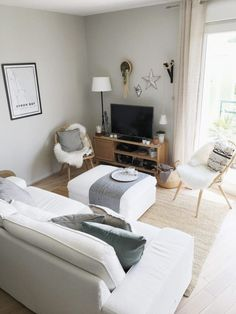 cocooning living room decor, Scandinavian, modern, minimalist with Ammonite color from Farrow & Ball Source by coxcel Condo Living, Apartment Living, Living Room Decor, Diy Interior, Farrow Ball, Farrow And Ball Living Room, Skandinavisch Modern, Modern Room, Modern Minimalist Living Room