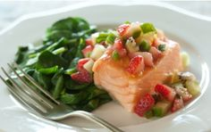 Baked Salmon with Spinach and Strawberry Salsa // A healthful #seafood dish for #summer! #recipe