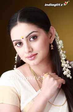 Shruti Marathe (Marathi: श्रुती मराठे) is Marathi actress from Pune appearing in… Beautiful Girl Indian, Beautiful Girl Image, Most Beautiful Indian Actress, Most Beautiful Women, Beauty Full Girl, Beauty Women, Indian Eyes, Glamorous Makeup, Indian Beauty Saree