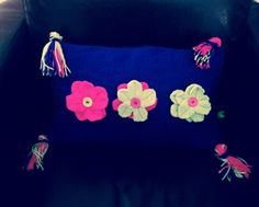 Flower knited cushion cover