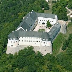 Vöröskői vár Castle Ruins, Medieval Castle, Medieval Fantasy, Heart Of Europe, Bratislava, Old Buildings, Budapest, Around The Worlds, Mansions