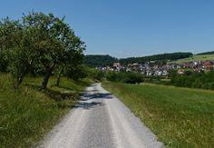 Holzkirchen mit St. Michael.
