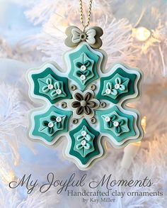 Holiday-Christmas-Craft idea-Handcrafted Polymer Clay Ornament by Kay Miller Fimo Polymer Clay, Crea Fimo, Polymer Clay Ornaments, Polymer Clay Projects, Polymer Clay Creations, Clay Crafts, Polymer Clay Jewelry, Clay Earrings, Clay Beads