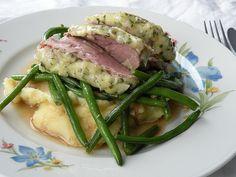 Gratinert svinefilet med potetmos og aspargesbønner