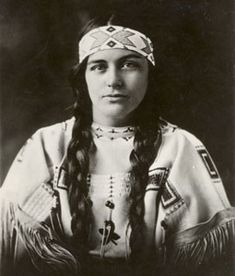 Ruth Muskrat Bronson (1897-1982) graduated from Mount Holyoke College in 1925.  This photo was taken December 13, 1923 when she was invited to the White House by  President Calvin Coolidge as a representative of the Cherokee tribe. She would open the Washington Bureau of the National Congress of American Indians and non-profit educational organization ARROW, Inc. (Americans for the Restitution and Righting of Old Wrongs).
