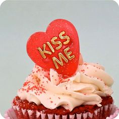 12 Valentine Heart Kiss Me Rings/Cupcake Toppers by HeyYoYo, $3.25