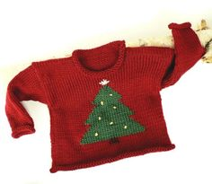 Baby Knitting Patterns Christmas Free Knitting Pattern for Christmas Sweater – This holiday pullover for toddlers… Baby Christmas Jumper, Knitted Christmas Jumpers, Christmas Sweaters, Toddler Christmas, Jumper Knitting Pattern, Jumper Patterns, Toddler Sweater, Knit Baby Sweaters, Ugly Sweater