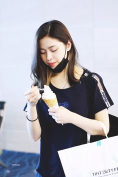 dedicated to female kpop idols. Kpop Outfits, Girl Outfits, Korean Princess, Shin, Saranghae, New Girl, Me As A Girlfriend, Girl Crushes, Korean Girl